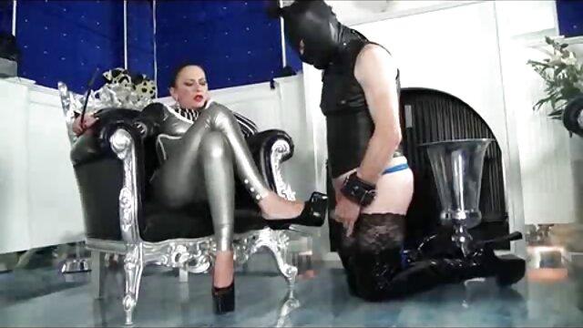 نوجوان بالغ گرفتار نگهبان خروس می شود در گلو و آب از دانلود فیلم سوپر خارجی با کیفیت گربه تا دهان ضخیم می شود